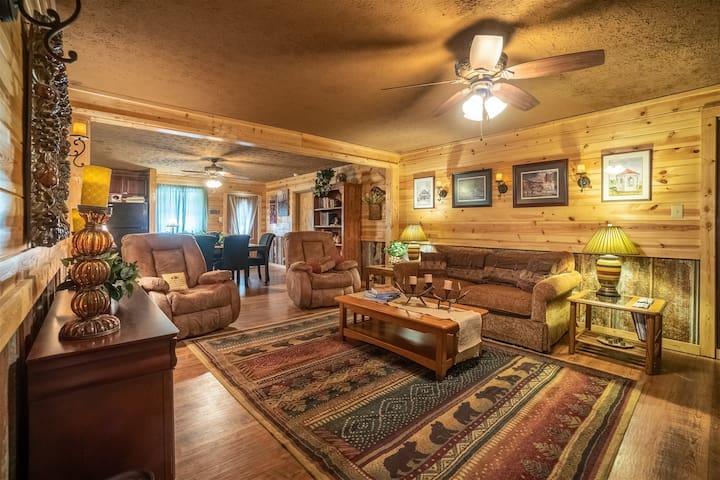 Nacoochee Valley Suite