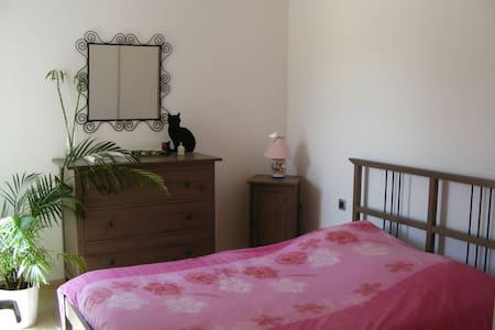 Deux chambres à Uzès (+parking, petit dej) 🌷