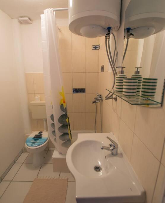 Bathroom Red Apartment