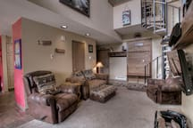 Living / entry area