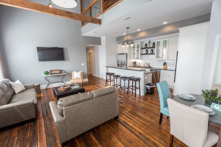 Penthouse Loft in the Historical OTR