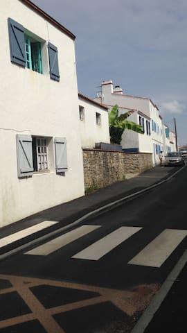 Dans le centre ville de Noirmoutier....