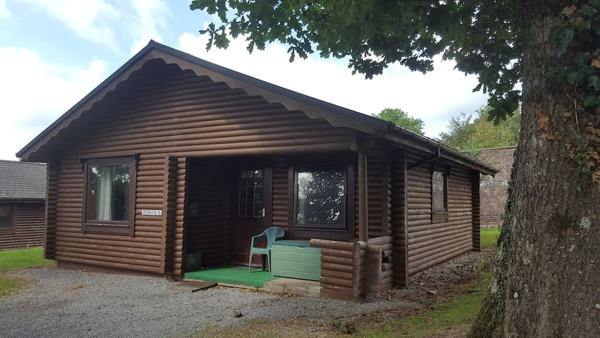 Powys 1 Self Catering Cosy Log Cabin