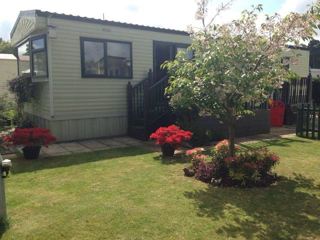 6 bth Static Caravan  Overstone Lakes Holiday Park - Northamptonshire - Other