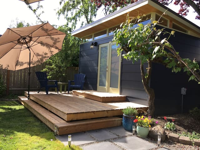 Private backyard studio in Ballard