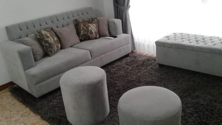 Like home! Amplia habitacion exclusiva Chiclayo
