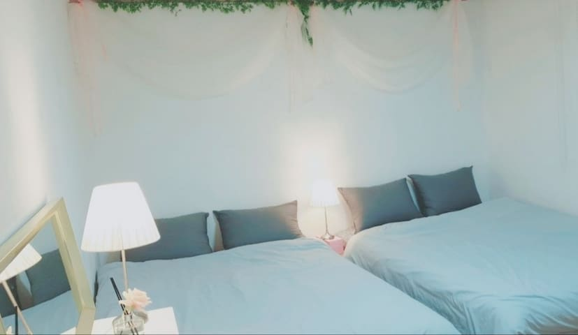 (Hongdae stn 1~2min)Hot place, Cozy house