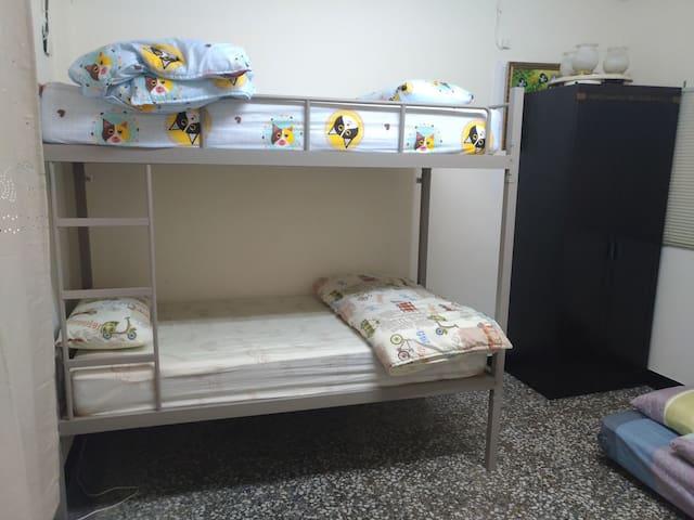 輔仁大學+捷運一樓3人1A房含早餐