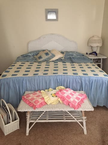 Middletown Guest Room