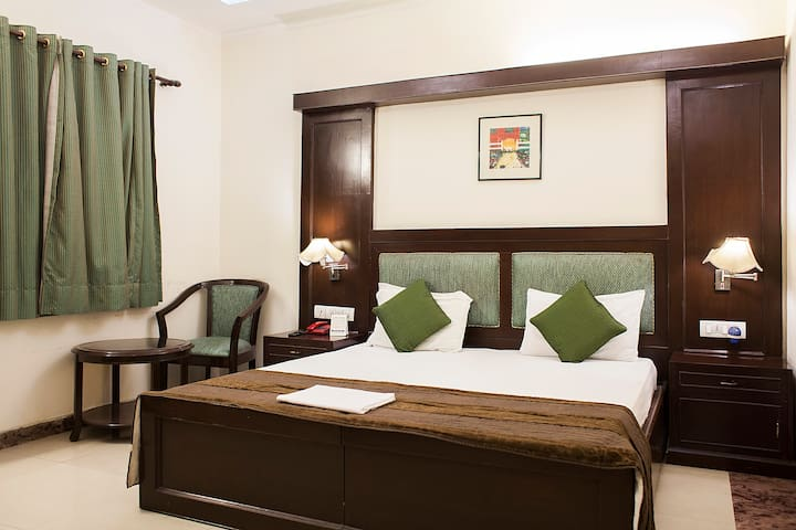 Comfortable rooms at a posh location - Neu-Delhi - Bed & Breakfast