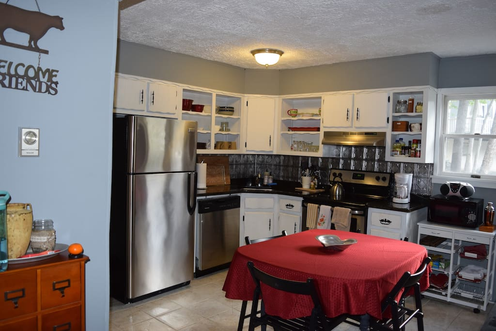 Kitchen with all you need! Pots, pans, spices, coffee, tea