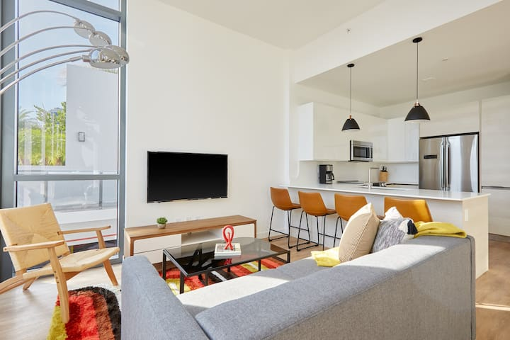 Sonder | 17WEST | Sleek 1BR + Terrace
