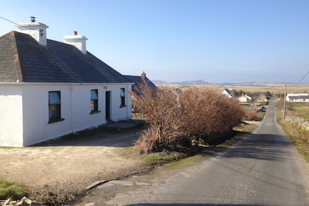 Traditional Cottage Derrybeg The Wild Atlantic Way