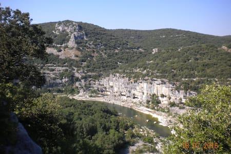 Spéciale triathlon des gorges de l'Ardèche - Saint-Martin-d'Ardèche - Apartemen