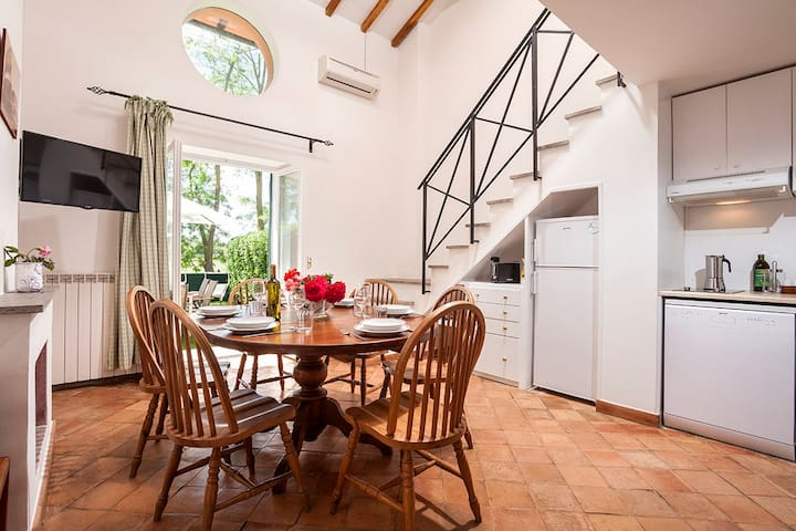 Apartment 4 @ Tenuta Capizucchi Rome - Rzym - Szeregowiec