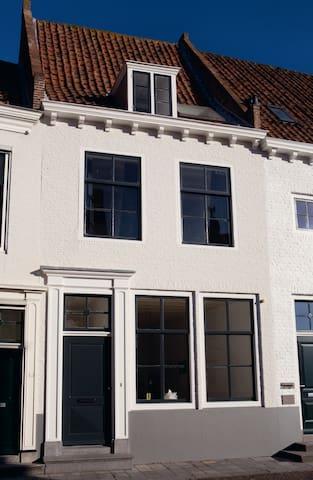 wunderschönes historisches Stadthaus - Middelburg - Huis