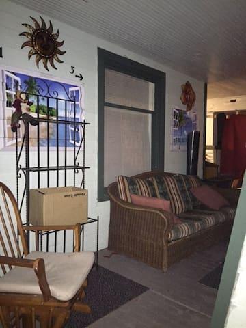 1 bdrm/1ba Unit Multi-family Prop - Tacoma - Apartment