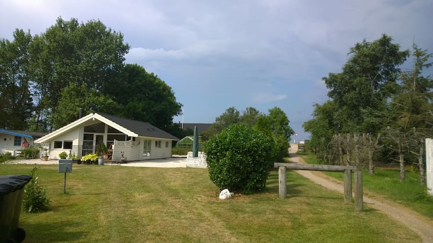 Summerresidence close to 2 beaches - Sjællands Odde