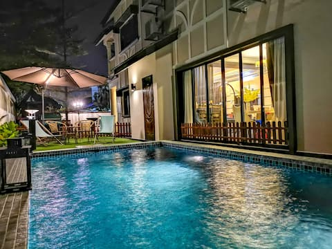 RIA Homestay - Luxury Bangalow with private pool