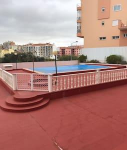 Quarto em condominio com piscina - Agualva