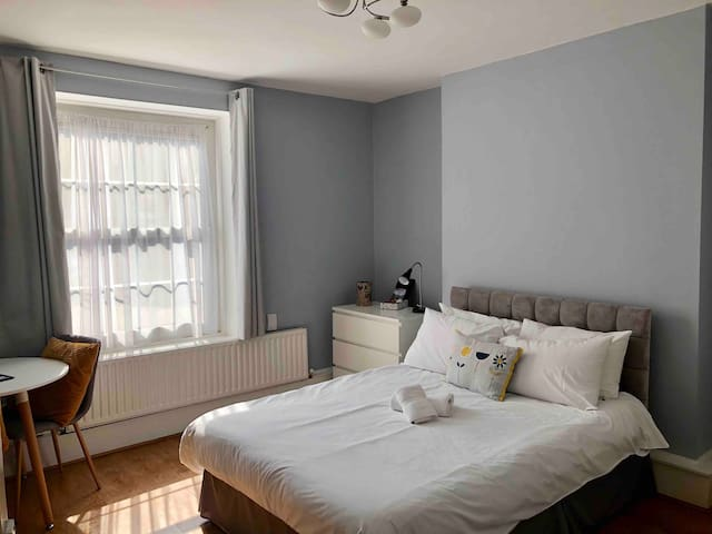 Cozy Double Room  in the heart of Shoreditch