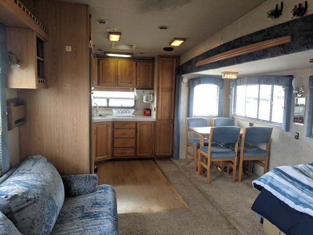:) Seabreeze RV with HIGH SPEED WIFI