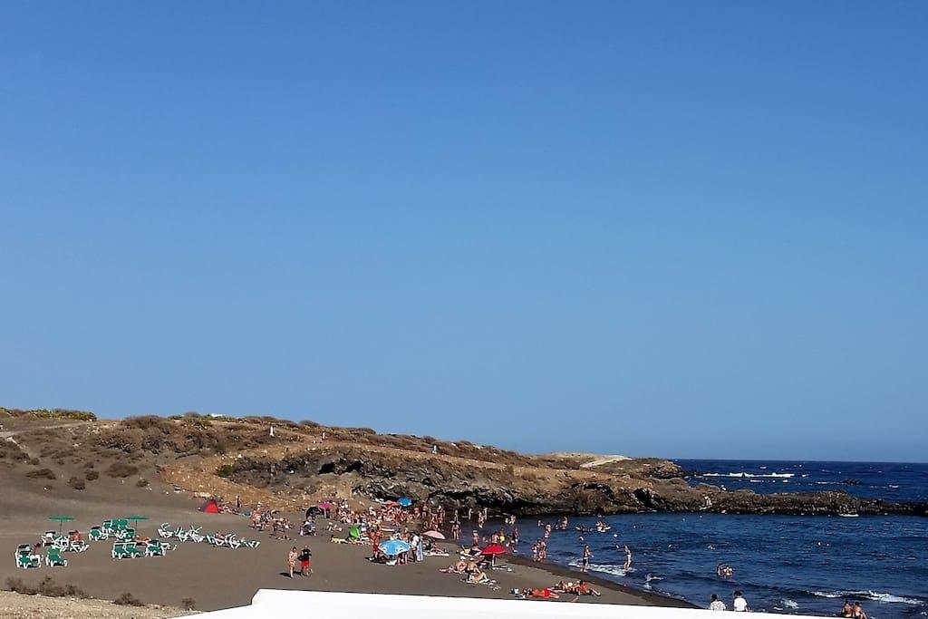 Tenerife sur chalet adosado cerca de la playa townhouses for Piani di casa di 1250 piedi quadrati