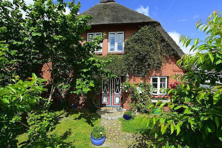 4 star holiday home in Oevenum