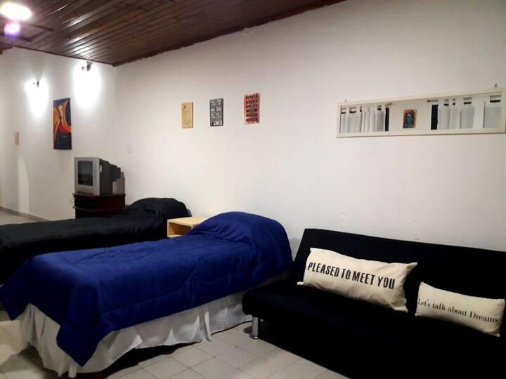 Cálido y luminoso apartamento  sobre la Costanera