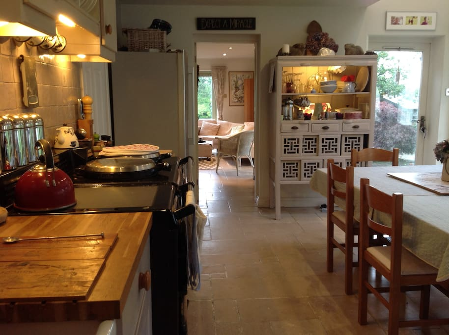 Dining kitchen with 4door aga