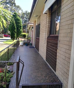 Great location near to city airport and the beach - Kogarah - Villa - 2