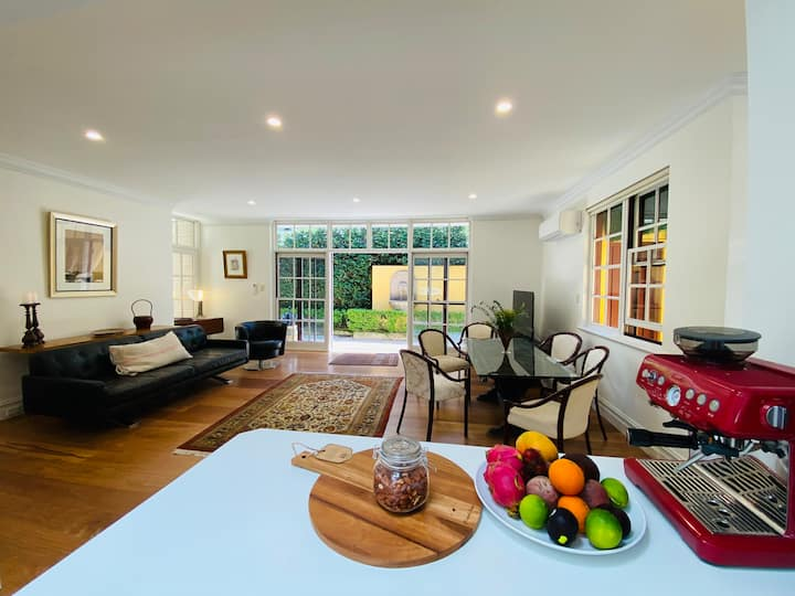 Luxury cottage in Sydney's premium location