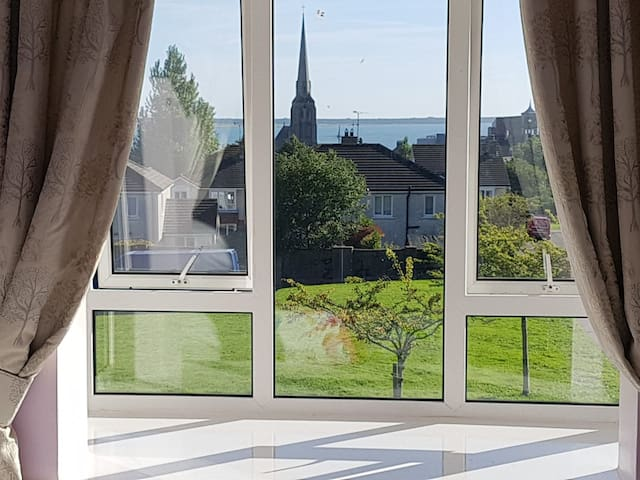 Beautiful Wexford Town House with Sea View