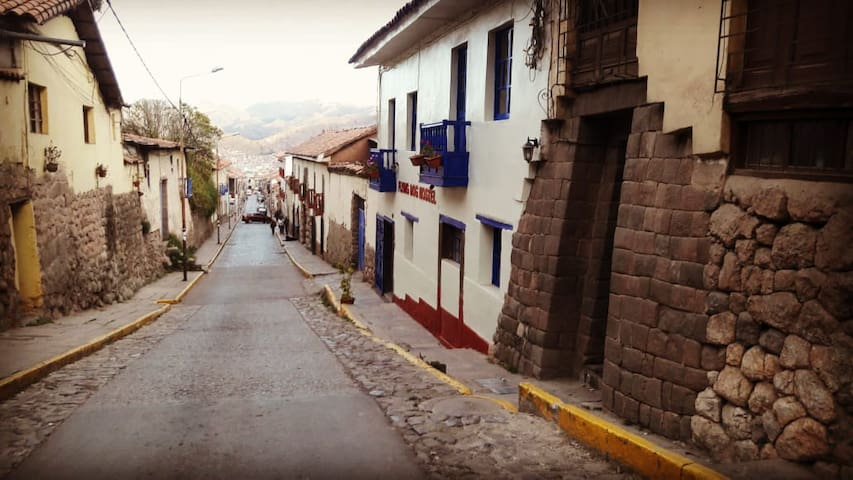 Get a room/enjoy and have fun on Cusco town