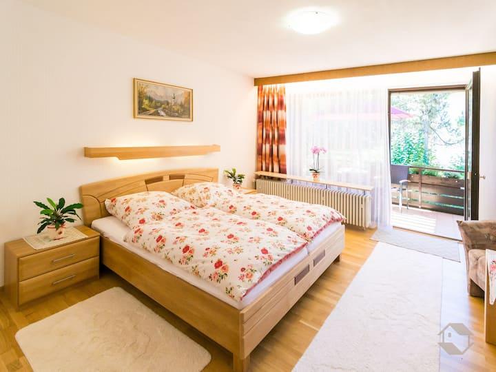 Landhaus Gruden Sommerberg, (Bad Wildbad), Doppelzimmer mit Dusche und WC
