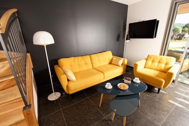 Maison Orion dans camping 5* avec piscine (6 pers) - Saint-Léon-sur-Vézère - Dům