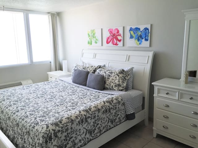 Master Bedroom with King size bed, Ocean View, AC and Ceiling Fan