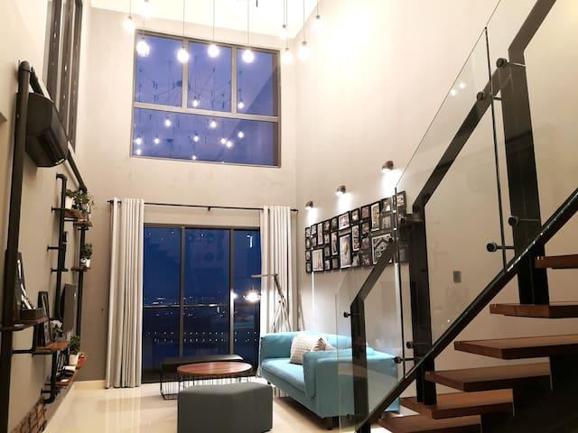 *New*baby & kids friendly, JB CIQ, Romantic Duplex