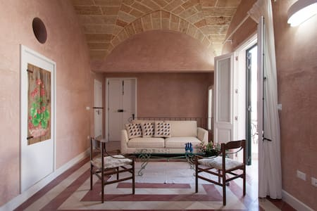 """Donna Tiberia"" 1800s traditional bourgeois House"