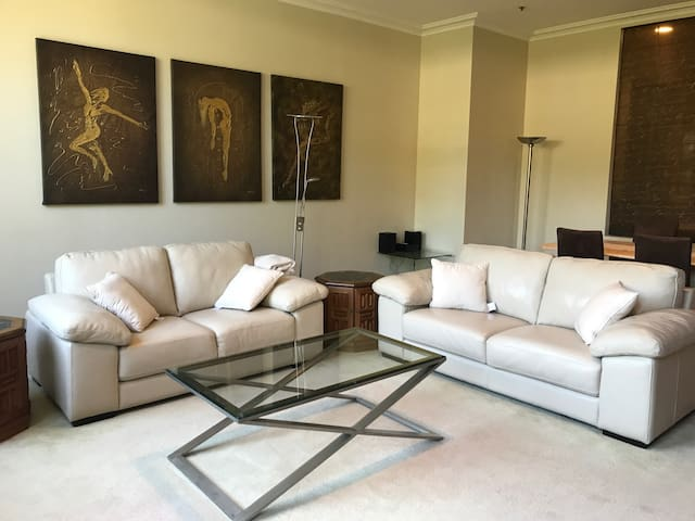 Spacious apartment in Woolloomoolo Waters - Вулумулу - Квартира