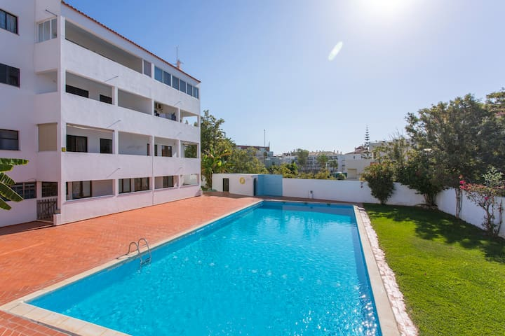 Apartment with Pool and Sea Views (CB-224)