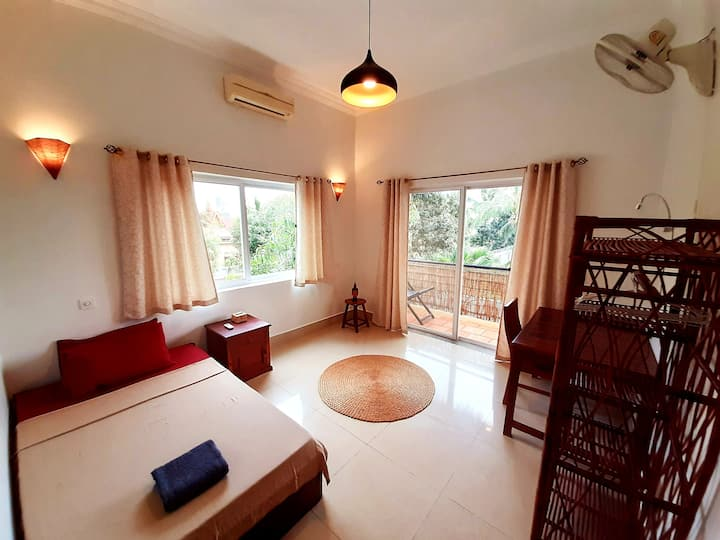 Luminous Studio Apartment +kitchenette, +Pick Up#6