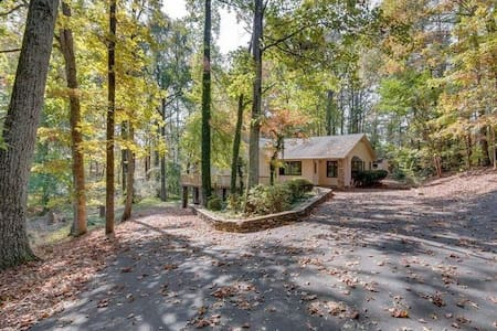 Peaceful Private 3 bed/2 bath near Greensboro - Hus