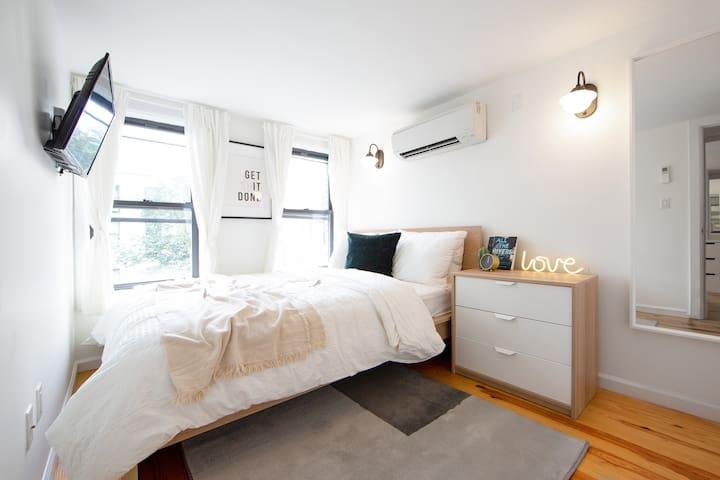 Gorgeous Bedroom in the heart of Bushwick Him-3R-2