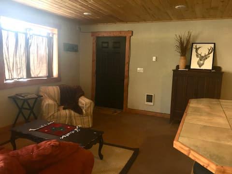 Titus Ranch - Studio Apartment