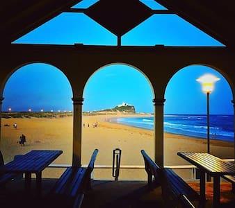 Terrace Loft w/ Beachy, Yogi, Scientist-Vegans - Newcastle East - 連棟住宅