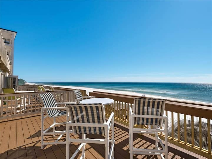 Fabulous Views of the Gulf, Sleeps 8, Near shops and dining!
