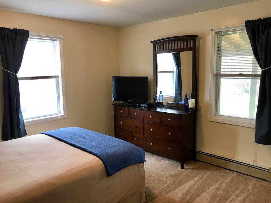 Guest bedroom -1st floor