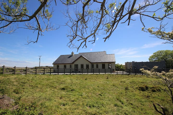 Clifden White Heather - Bed and breakfasts for Rent in Clifden