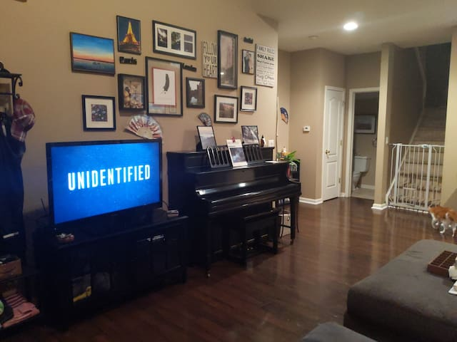 Private First Floor Condo close to Indy